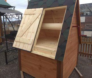 Деревянный домик для колодцев
