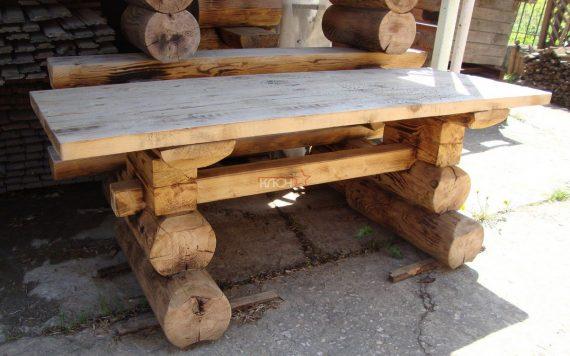 stol-sadovyj-iz-brevna